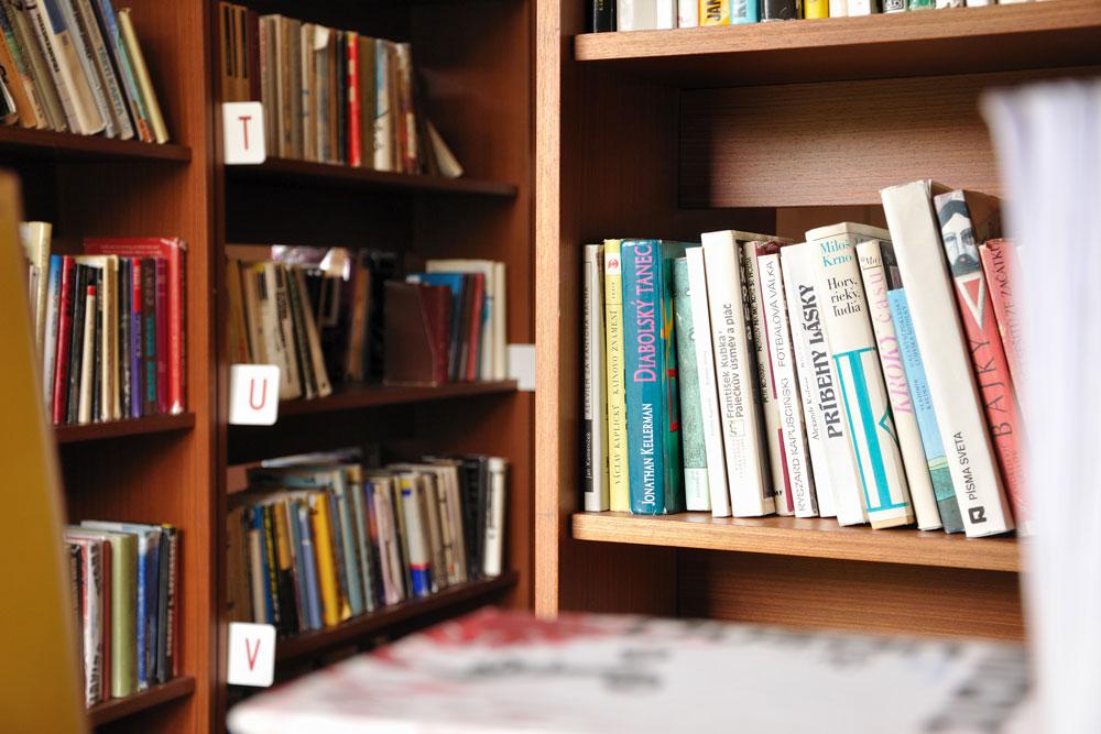 hotelová knižnica